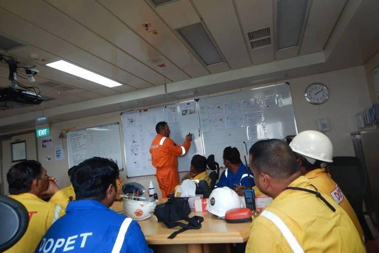 O engenheiro brasileiro Rogério Monteiro relata rotina na pandemia no Catar, onde trabalha em empresa petrolífera