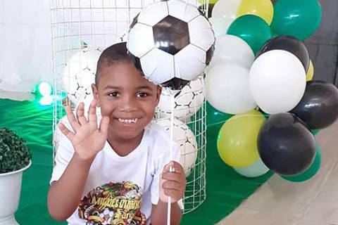 Miguel Otávio Santana da Silva, 5, morreu na tarde desta terça-feira (2) após cair do 9ª andar de um prédio residencial no centro do Recife Crédito: reprodução/redes sociais ORG XMIT: XBkiGhcDCsCyDd-chvE_