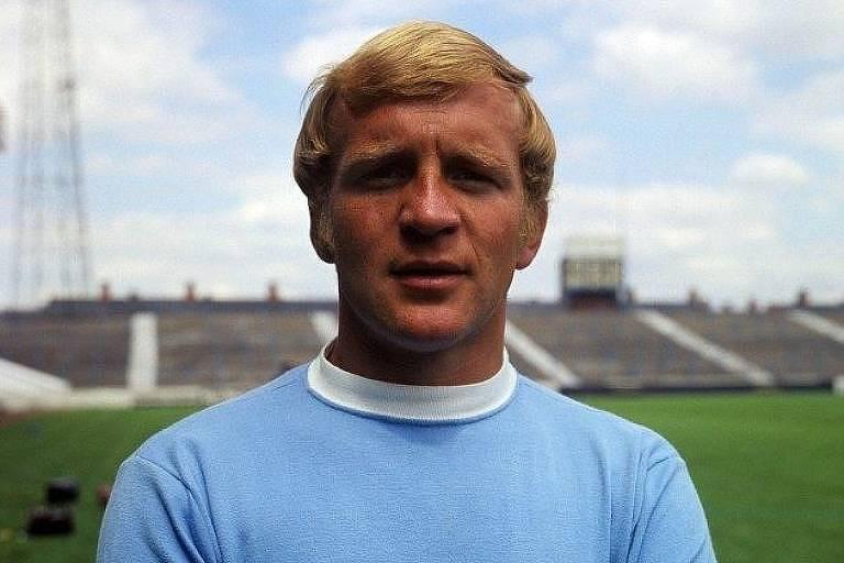 Francis Lee com a camisa do Manchester City