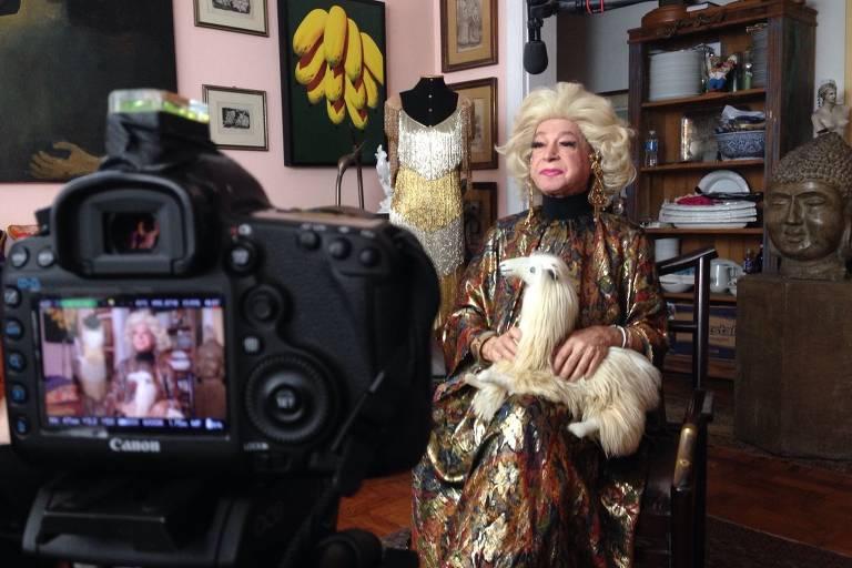 Veja fotos de Miss Biá, drag queen pioneira em SP