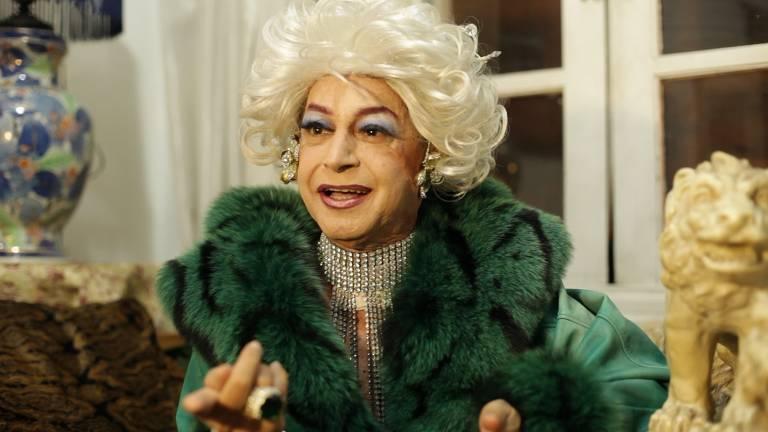 Miss Biá, drag queen pioneira no Brasil, em uma cena do documentário 'São Paulo em Hi-Fi', de Lufe Steffen. Biá morreu na quarta-feira (3), em decorrência da Covid-19
