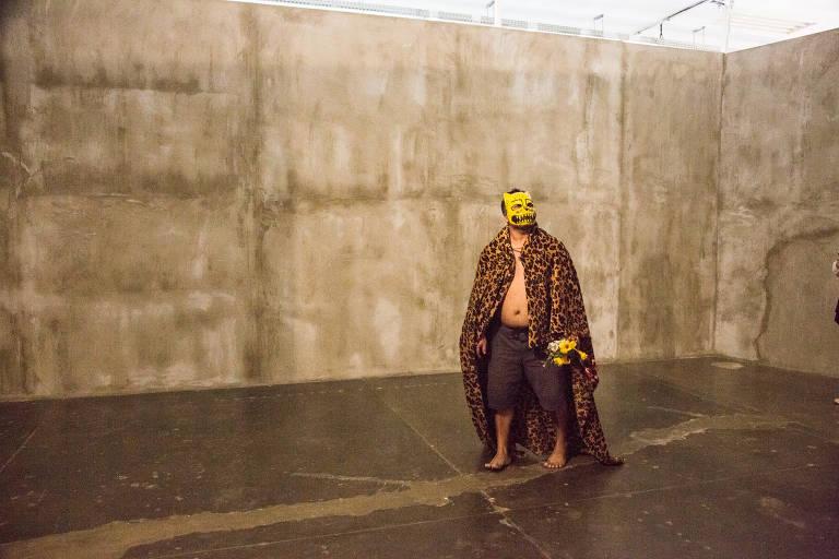 Conheça a obra do artista indígena Denilson Baniwa