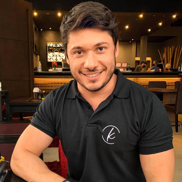 Fabrício Rocha, proprietário do Saikoo Sushi Lounge, em Barretos (SP)