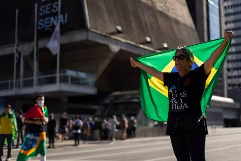 Bolsonaristas ainda buscam nome próprio à Prefeitura de SP e já admitem voto útil