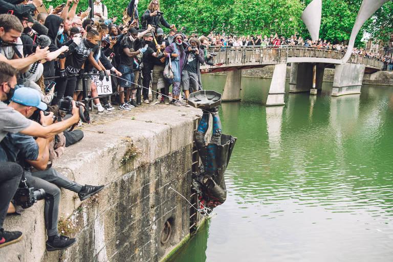 Movimentos antirrascistas se voltam contra estátuas de figuras coloniais e escravocratas