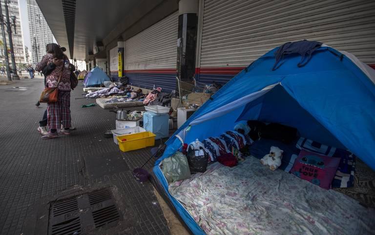 Pandemia empurra novas pessoas para as ruas