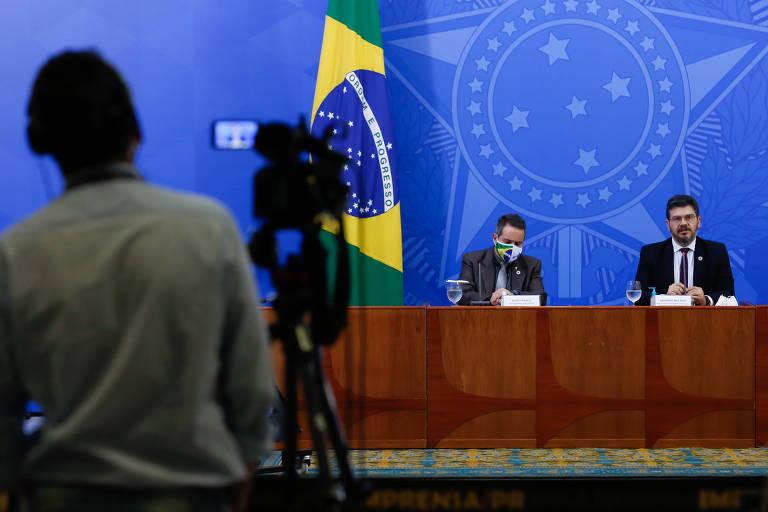 Écio Franco, secretário-executivo do Ministério da Saúde, e Eduardo Macário, secretário substituto de Vigilância em Saúde