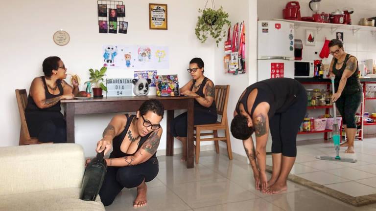 Fotógrafo faz série de retratos por chamadas de vídeo na quarentena