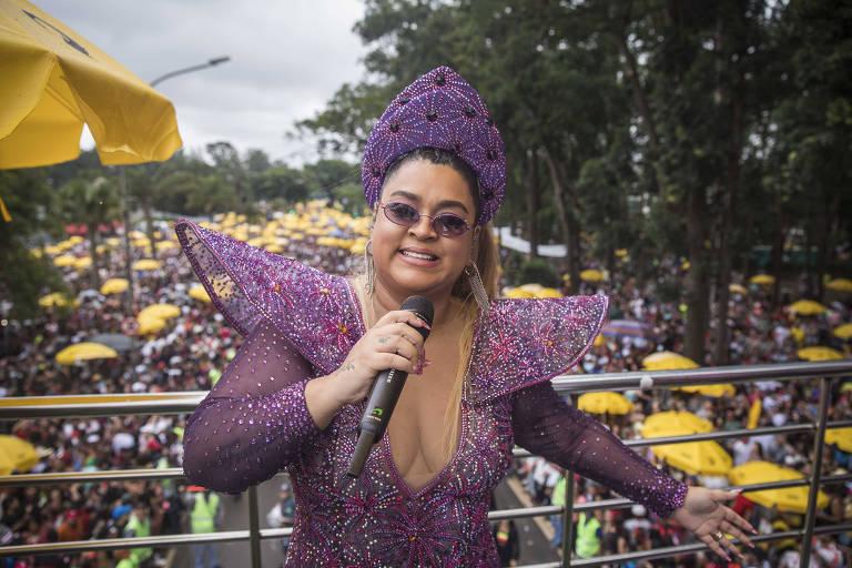 A cantora Preta Gil desfila com seu bloco em São Paulo