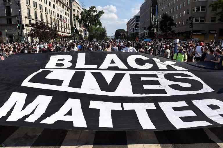 Protesto contra o racismo em rua de Washington no sábado (6)