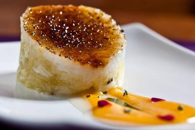 Sobremesa: tartare de abacaxi e tapioca de coco