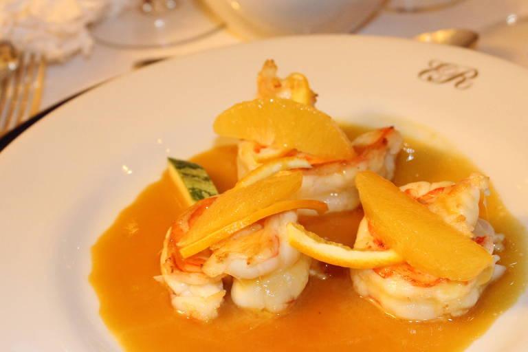 Camarão rôti ao molho de laranja é uma das sugestões de Erick Jacquin para o Dia dos Namorados