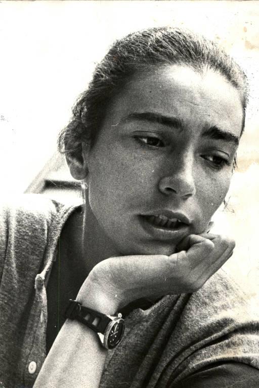 Isabel, durante entrevista na cidade do Rio de Janeiro. Nascida no Rio, no dia 2 de agosto de 1960, ela começou a jogar vôlei no Flamengo aos 12 anos de idade, sagrou-se campeã brasileira em 1978 e 1980 e defendeu o Brasil nos Jogos de Moscou-1980 e Los Angeles-1984