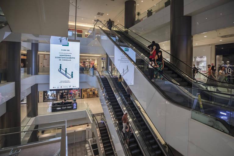 Reabertura de shopping em São Paulo