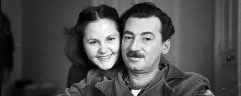 Zélia Gattai e Jorge Amado, em Moscou - 1951   <M> ***DIREITOS RESERVADOS. NÃO PUBLICAR SEM AUTORIZAÇÃO DO DETENTOR DOS DIREITOS AUTORAIS E DE IMAGEM***</M>
