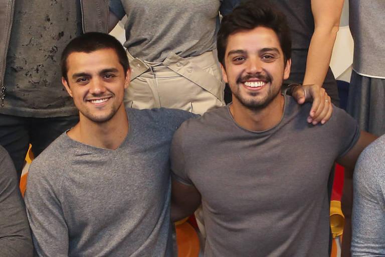 Rodrigo e Felipe Simas vão contracenar juntos na volta de 'Salve-se Quem Puder'
