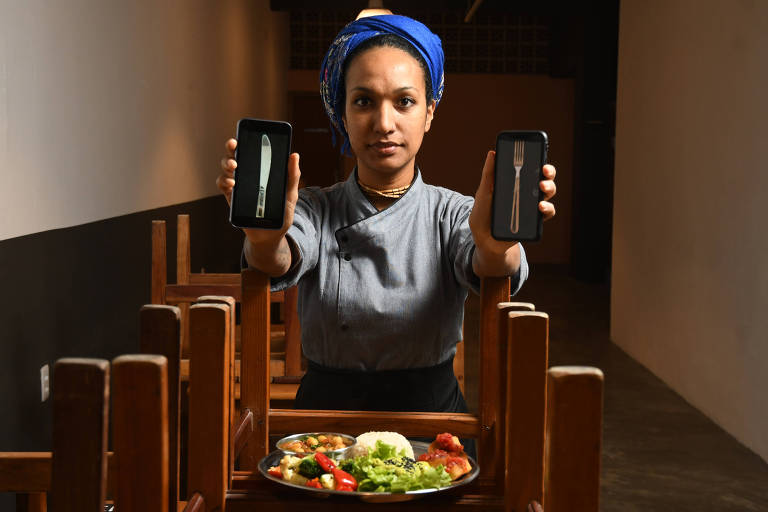 Govinda Lilamrta, 34, chef e sócia do Pratada!; restaurante recebe cerca de 30 pedidos por WhatsApp ao dia