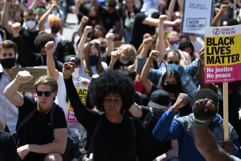 Manifestações antirracistas e nacionalistas em Londres