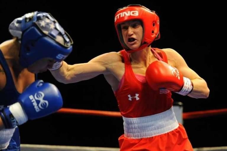Virginia Fuchs durante luta contra Marlen Esparza