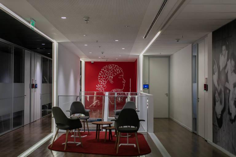 Escritório da Johnson & Johnson vazio, em São Paulo