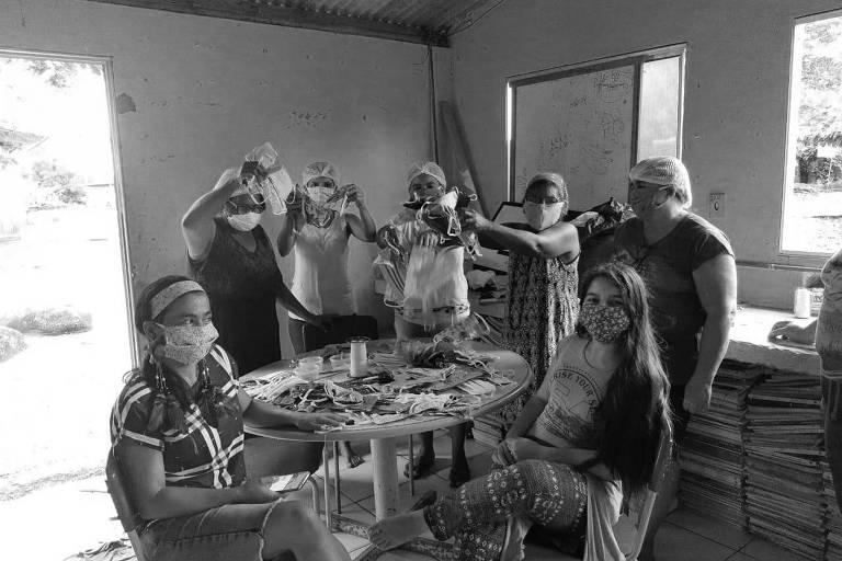 Comunidades indígenas recebem doações de recursos para produção de máscaras contra o coronavírus