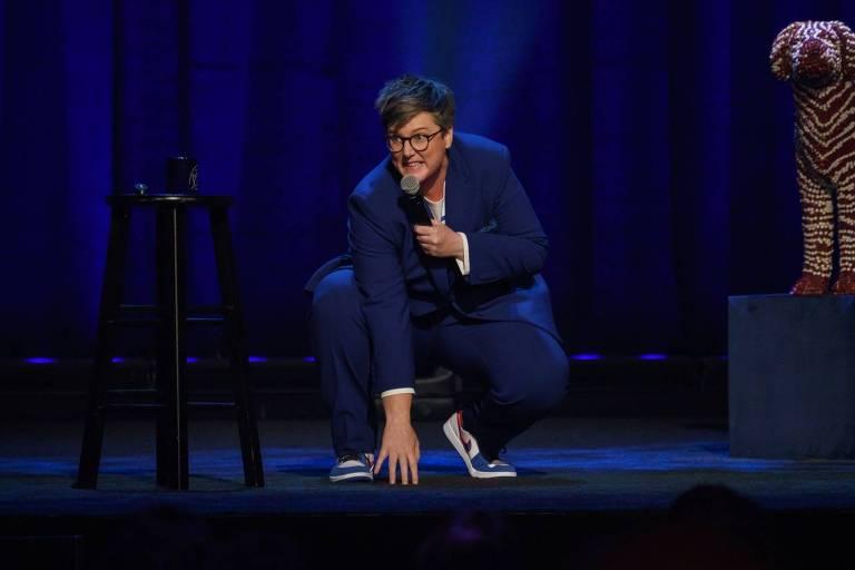 """Hannah Gadsby em cena de """"Douglas"""", seu novo stand-up na Netflix"""