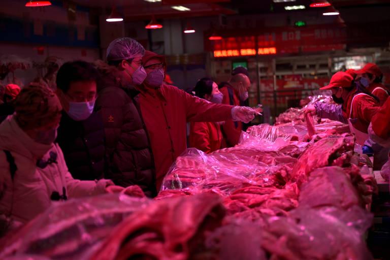 Pequim intensifica medidas contra 2ª onda de coronavírus para não se tornar 'nova Wuhan'