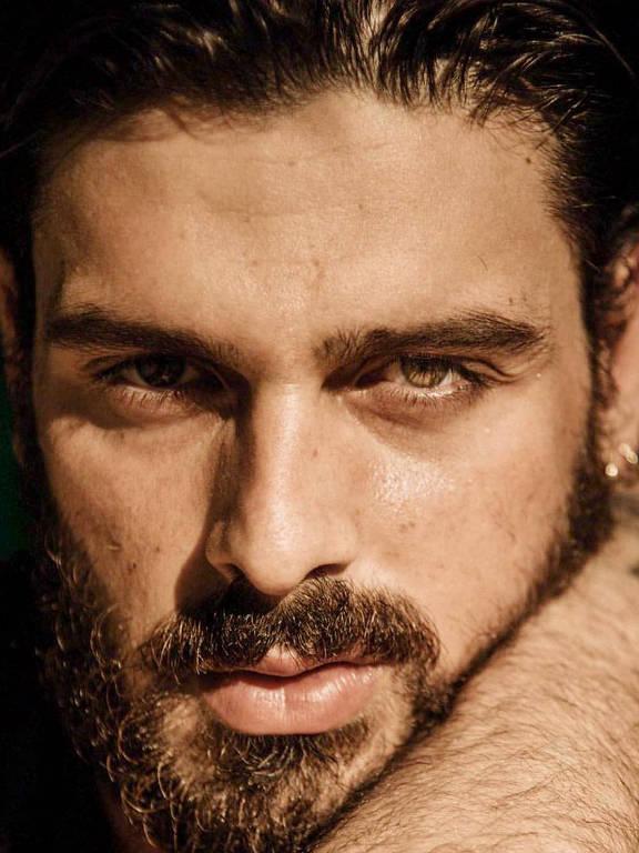 Imagens do ator Michele Morrone