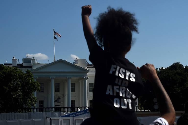 Protesto contra o racismo em Washington, nos EUA, em frente à Casa Branca