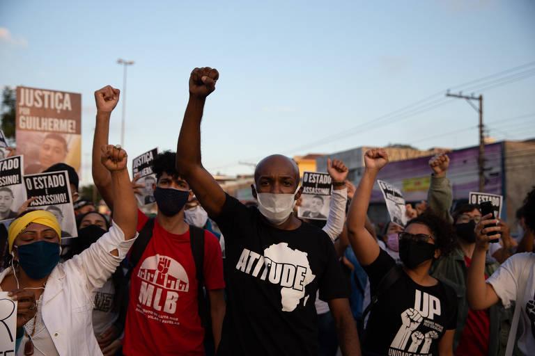 Moradores do Jardim Míriam fazem segundo dia de protestos por morte de adolescente