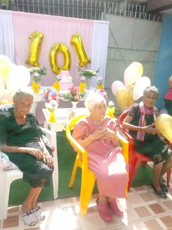 A Unidade de São Miguel Paulista tem três idosas centenários. Ano passado, elas festejaram os 101 anos de dona Luiza, que não foram comemorados neste ano em razão do protocolo da Covid-19