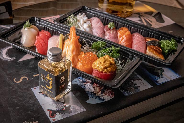 Restaurante By Koji e bar Caledonia propõem harmonizar sushi e uísque