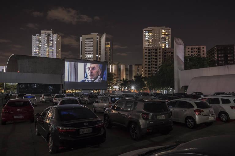 Belas Artes inaugura drive-in no Memorial da América Latina