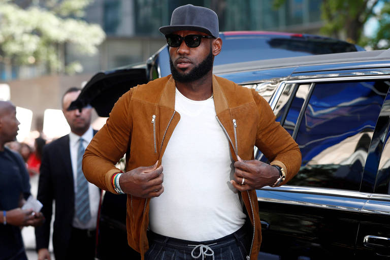 Astro da NBA, Lebron James compra mansão de R$ 270 milhões na Califórnia; veja fotos