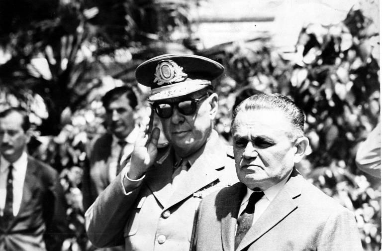 A imagem em preto e branco mostra o Humberto de Alencar Castello Branco, presidente do Brasil entre 1964 e 1967