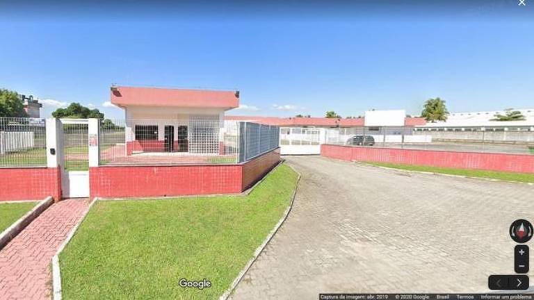 Obra em Xerém, Duque de Caxias (RJ), foi iniciada em 1989 e gastou pelo menos R$ 41,9 milhões do Ministério da Saúde