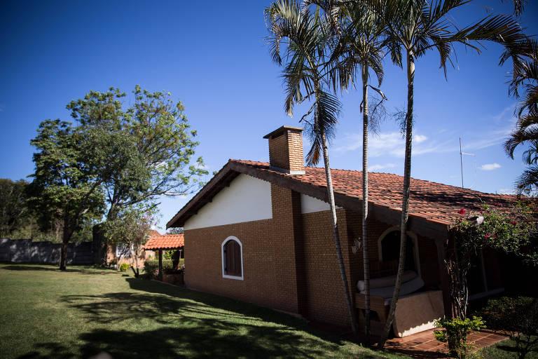 Casa onde Fabrício Queiroz estava escondido, em Atibaia (SP)