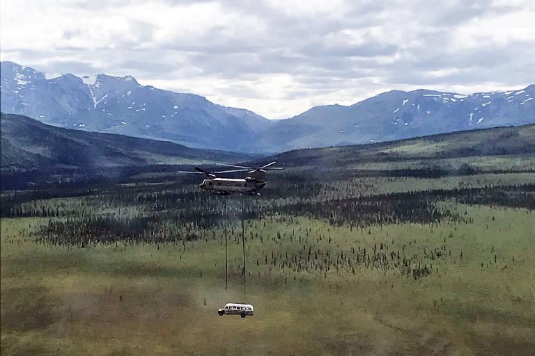 Ônibus de 'Na Natureza Selvagem' é retirado do Alasca por segurança