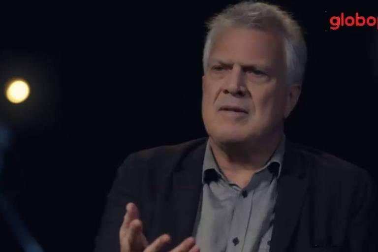 Pedro Bial no documentário 'Em Nome de Deus