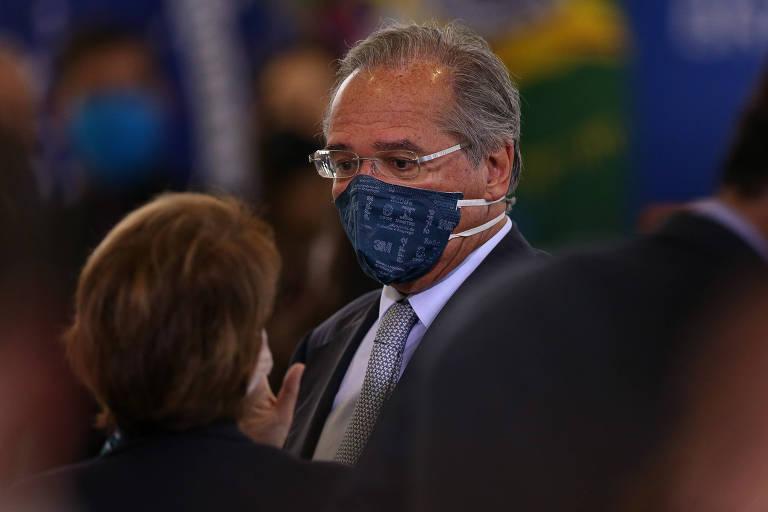 O ministro da Economia, Paulo Guedes, na cerimônia de posse do novo ministro das Comunicações, o deputado Fábio Faria (PSD-RN), no Palácio do Planalto