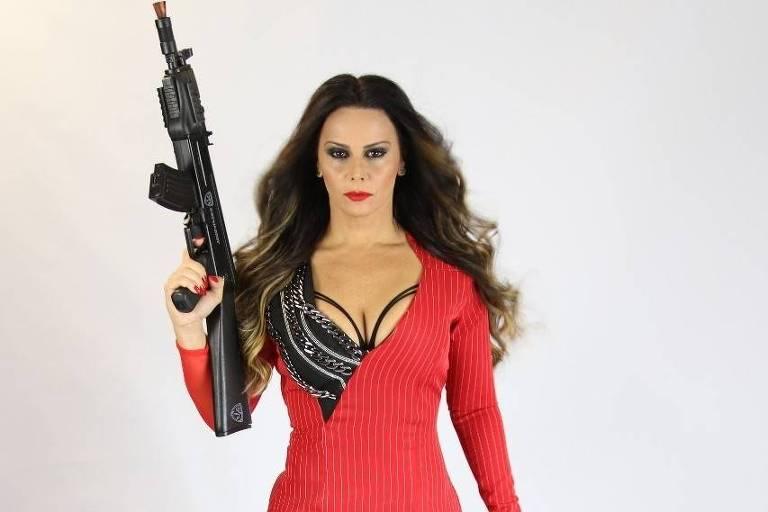 Viviane Araújo como lili Carabina