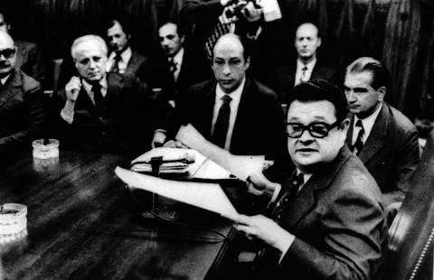 Brasília 04/12/1972 - Banqueiros com o Ministro Delfim Netto (Foto: Acervo Folhapress)