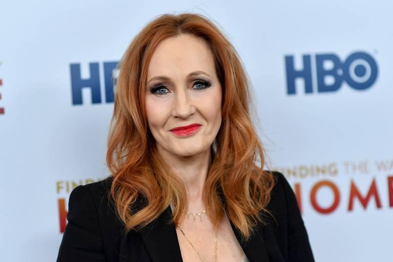 Autores deixam agência de JK Rowling após declaração dela considerada transfóbica