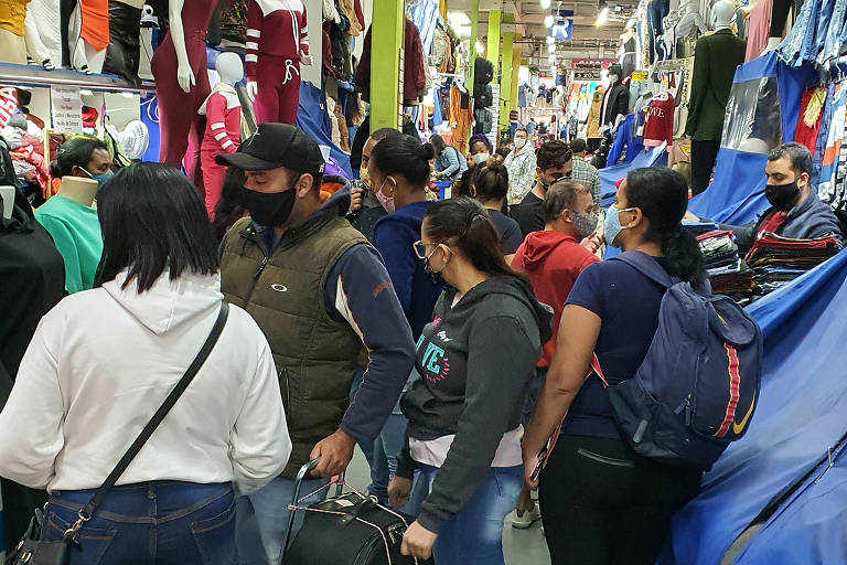 Shoppings e galerias populares descumprem regras de funcionamento