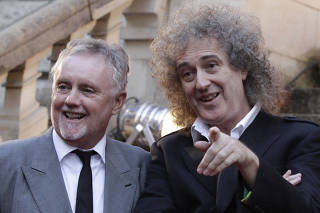 Guitarrista Brian May e bateirista Roger Taylor, da banda Queen