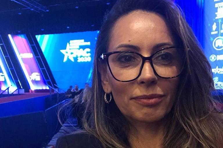 Ana Paula Henkel acompanha discurso de Donald Trump, nos EUA