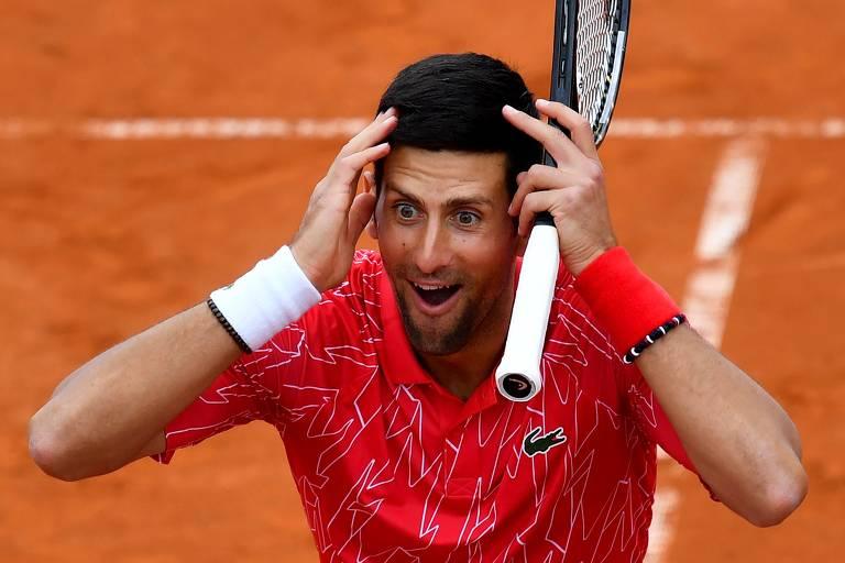 Novak Djokovic é diagnosticado com Covid-19 após promover torneio de tênis na Sérvia durante a pandemia