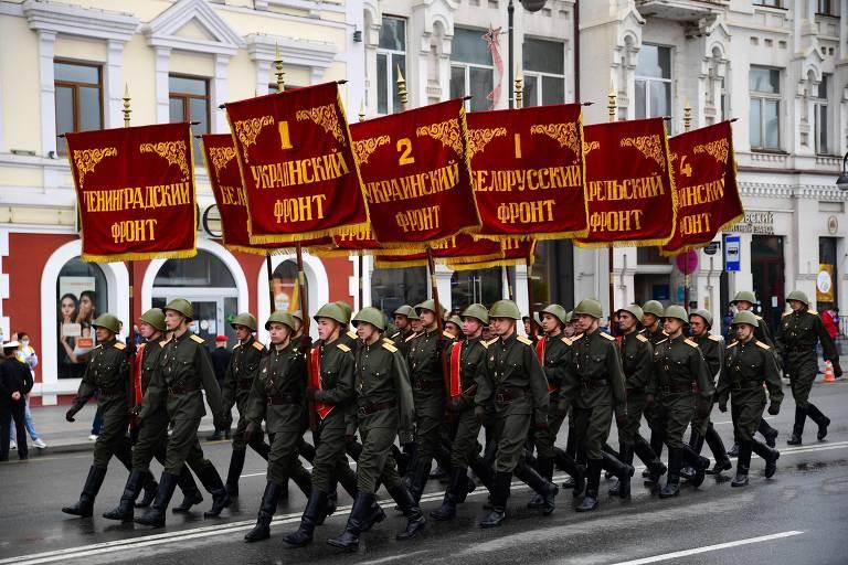Com parada militar, Rússia celebra 75 anos da vitória sobre o nazismo; veja fotos de hoje