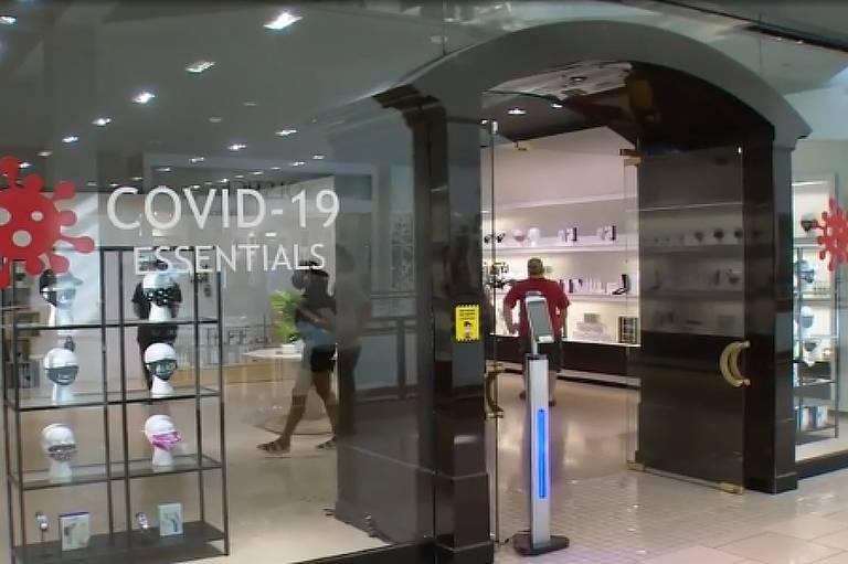 Loja em Miami vende itens voltados para enfrentar pandemia