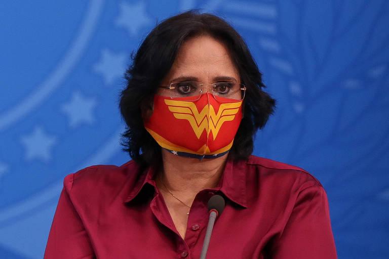 'Homens ganharam força física para proteger a mulher', diz Damares ao anunciar medidas contra violência